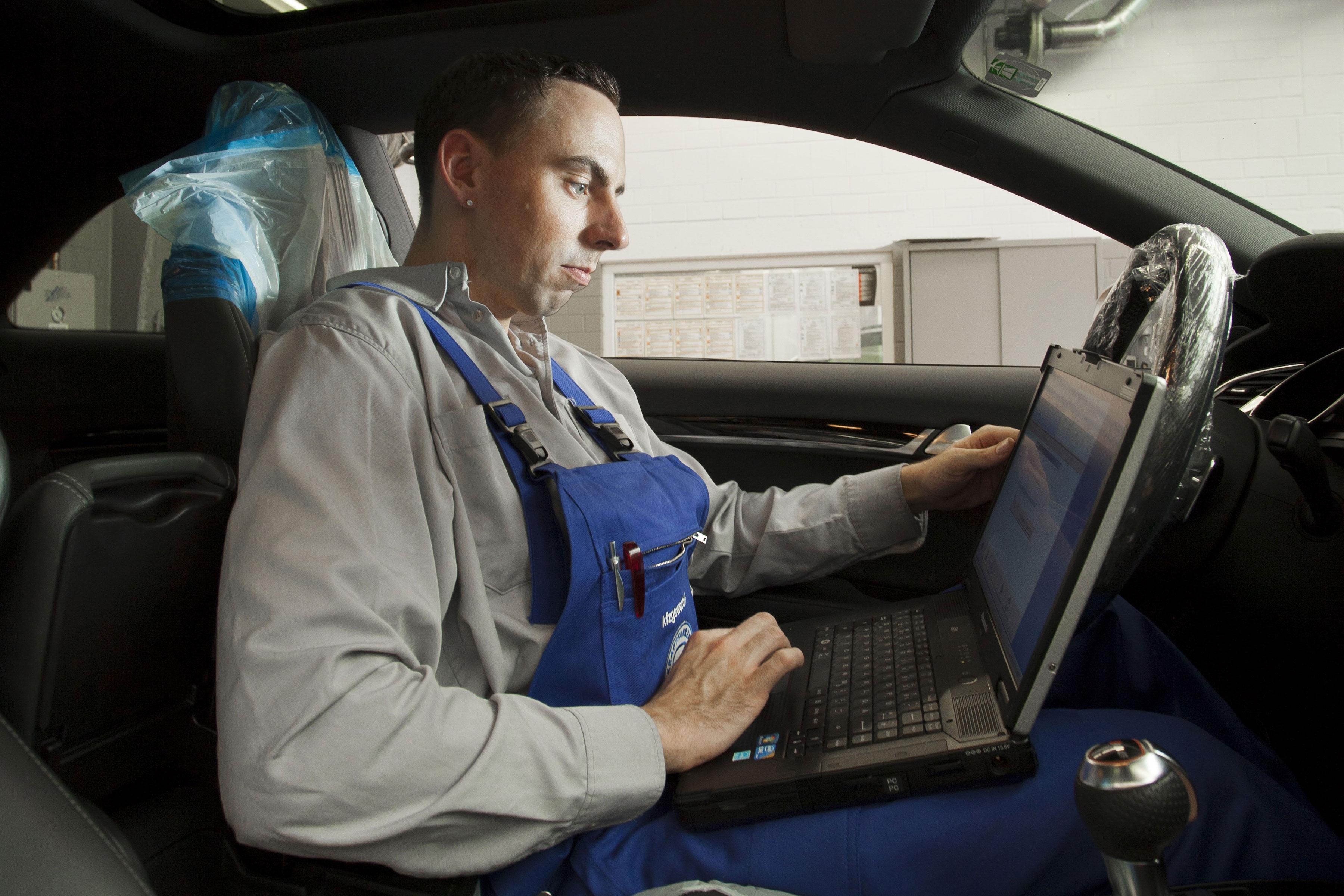 Airbag und Gurtstraffer (Sachkundeschulung)