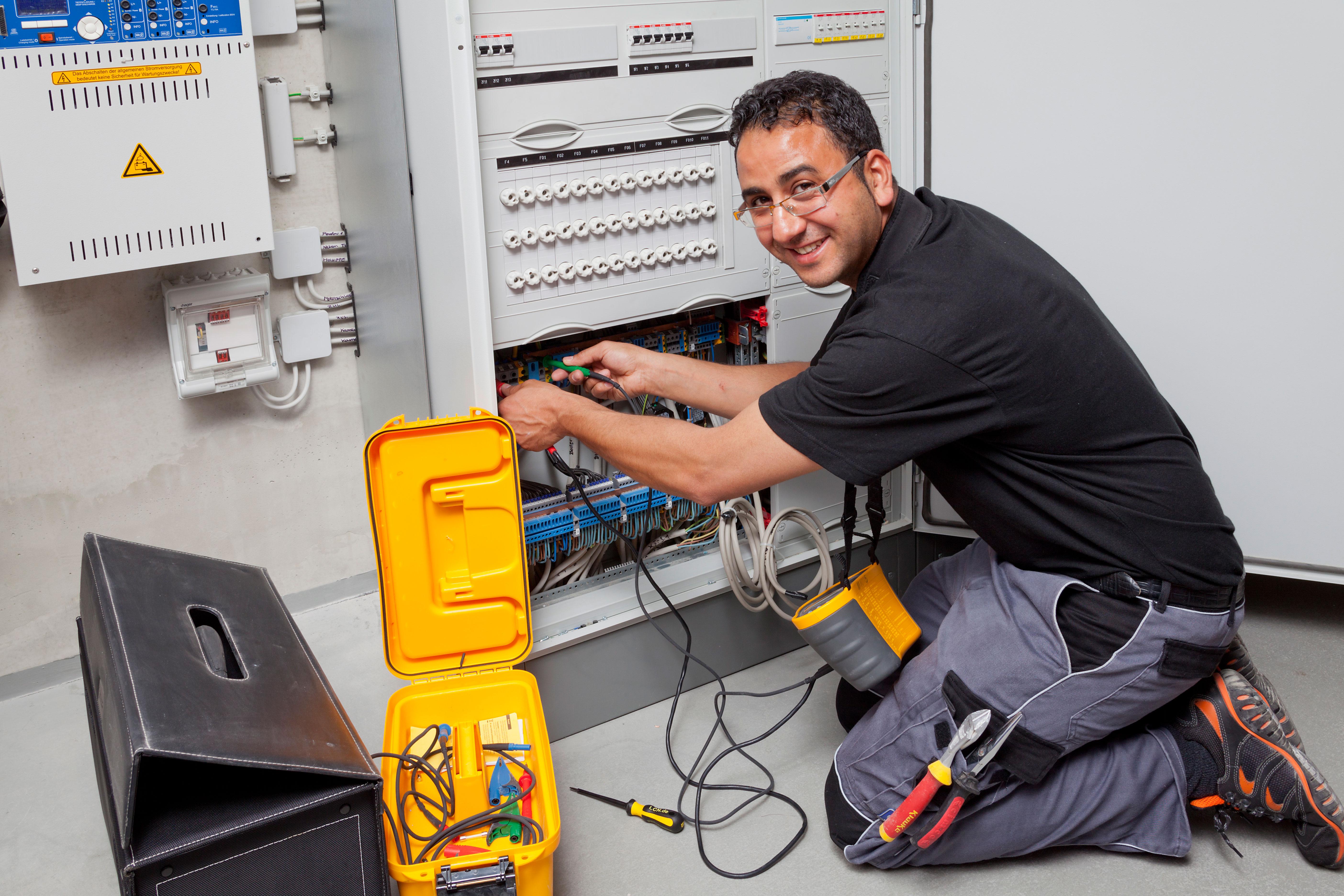 Meistervorbereitung für Elektrotechnik Teil 1-4 - Fachrichtung Energie- und Gebäudetechnik